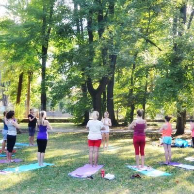 Yoga v Parku BB