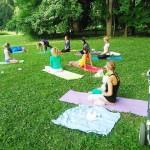 yoga v park